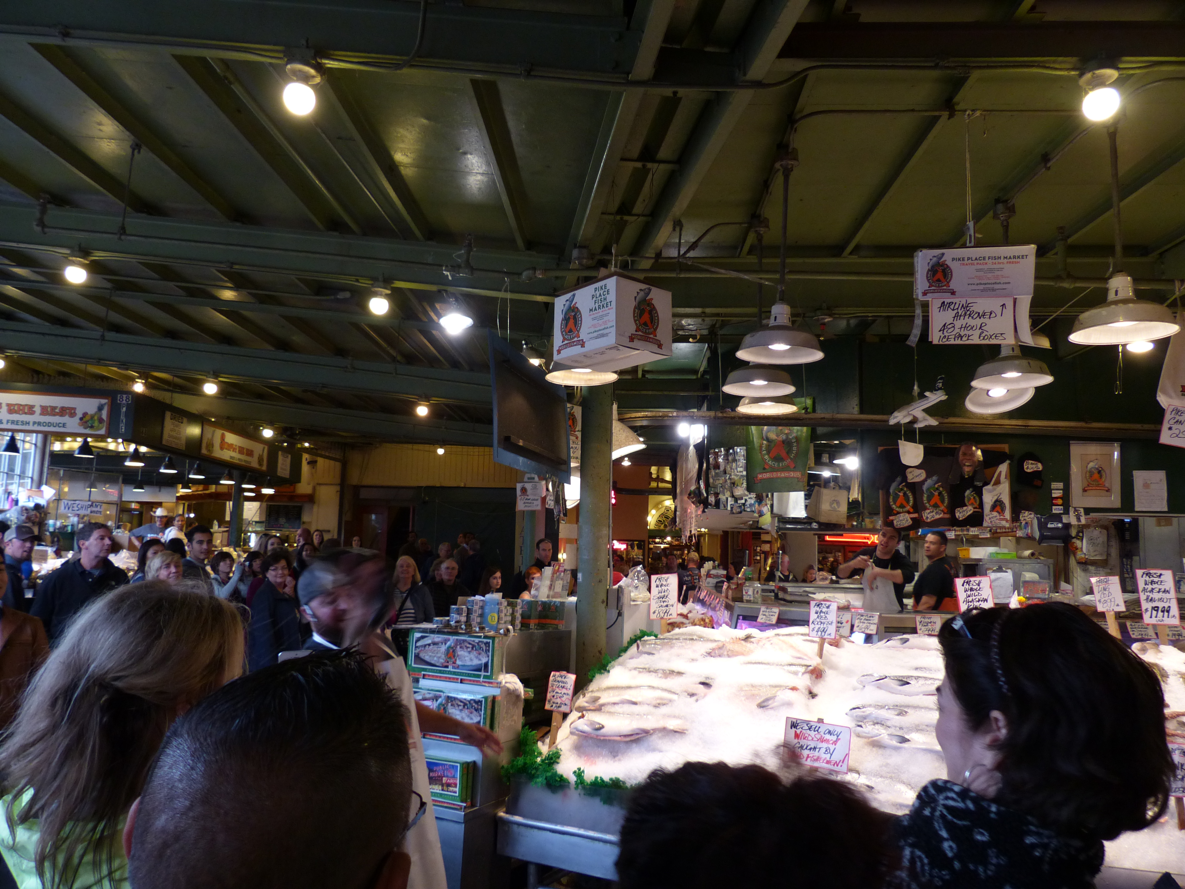 Our weekend in seattle part 1 brown bear travels for Pike place fish market video