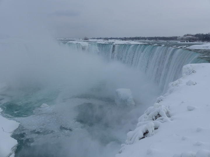 Horseshoe Falls winter 2015