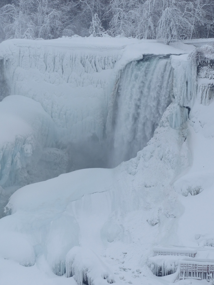 American Falls winter 2015 close-up
